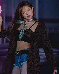 Kpop Girl Groups, Korean Girl Groups, Kpop Girls, Kim Jennie, Blackpink Fashion, Korean Fashion, Mode Kpop, Lisa, Blackpink Photos
