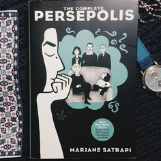 İyi akşamlar güzel insanlar  Bugün normal kitap okuma alışkanlığımın biraz daha dışında olan bir kitapla burdayım; Persepolis.  Persepolis 1980 İran - İslami Devrimi'ni konu alan bir karikatür romanı. Kitabın yazarı Marjane Satrapi de İran asıllı ve kitapta kendi çocukluk ve gençlik yıllarını anlatmış devrimin iç yüzünü göstermiştir. Kitap 340 sayfa fakat 3 günde bitebilecek bir akıcılığı var. Bu hem kitabın karikatür olmasından hem de yazarın hafif ve eğlendirici bir dili olmasından…