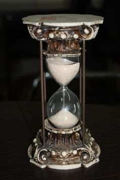 Decorative hourglasses and other timepieces are suitable accent pieces.