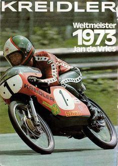 Motorcycle Posters, Motorcycle Bike, Valentino Rossi, Road Racer Bike, Bike Shed, 50cc, Racing Motorcycles, Vintage Bikes, Road Racing