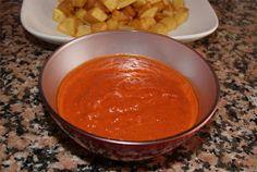 Receta de salsa brava casera Salsa Dulce, Vinaigrette, Chana Masala, Cantaloupe, Chili, Cooking Recipes, Soup, Pudding, Fruit