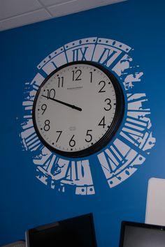 Simple Cut Vinyl Clock