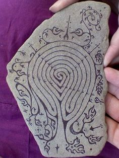 Creative Labyrinth Garden Ideas For Your Fun Activity - Mbantool Meditation Garden, Walking Meditation, Meditation Quotes, Labyrinth Maze, Tarot, Ancient Symbols, Rock Crafts, Stone Painting, Rock Painting