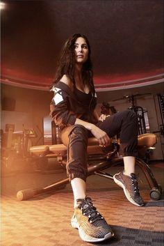 Katrina Kaif Hot Pics, Half Shaved Hair, Most Beautiful, Beautiful Women, Stella Mccartney Elyse, Indian Beauty, Indian Actresses, Reebok, Bollywood