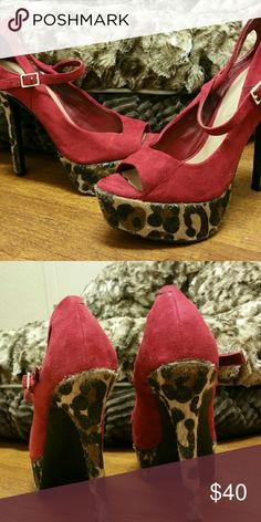 Jessica Simpson Beautiful heels, only worn a few times. Jessica Simpson Shoes Heels