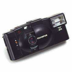 Olympus XA-2 XA2 35mm Compact Film CAMERA Zuiko Prime Lens 11A Flash Japan EXC