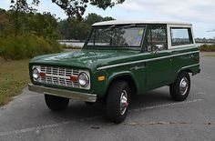 Ford : Bronco 2 door / convertible top 1972 Ford Bronco 4x4 - http://www.legendaryfind.com/carsforsale/ford-bronco-2-door-convertible-top-1972-ford-bronco-4x4-2/
