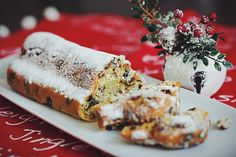 Рецепт рождественского штоллена Christmas In Ukraine, Christmas And New Year, Christmas Christmas, Russian Desserts, Russian Recipes, Sweet Pastries, Feta, Cheesecake, Dairy
