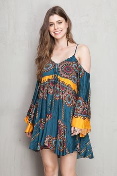 vestido curto lyrics | Dress to Sara Fashion, Look Fashion, Woman Fashion, Hippie Look, Look Boho, Boho Outfits, Casual Outfits, Cute Dresses, Short Dresses