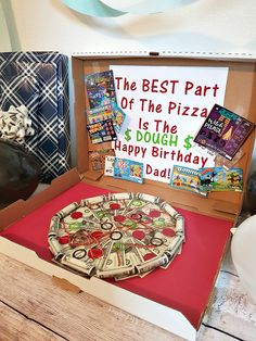Making the perfect DIY Money Gift for the person that has everything is not only fun and easy, it is also a really cool way to give the gift of cash. Creative Money Gifts, Cool Gifts, Diy Gifts, Gift Money, Unique Gifts, Birthday Pizza, Dad Birthday, Birthday Gifts, Lottery Ticket Gift