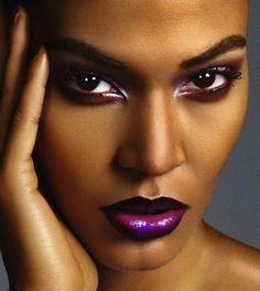Gorgeous makeup on model Joan Smalls