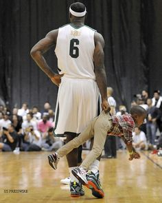 This is LeBron vs the rest of the NBA Air Max 2009, Air Max Thea, Lebron James Wallpapers, Nike Tights, Baskets, Nike Headbands, Air Max Day, Nike High Tops, Nike Joggers