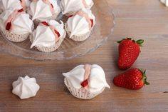 formine e mattarello: Meringhe con crema alle fragole