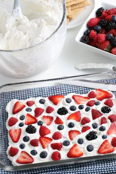 A simple and easy Mixed Berry Graham Cracker Icebox Cake is the perfect summer dessert. No baking required! Summer Desserts, No Bake Desserts, Delicious Desserts, Dairy Free Recipes, Easy Recipes, Refrigerator Cake, Icebox Cake Recipes, Baked Strawberries