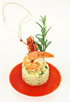 Simple shrimp risotto taste and Fresh Tastes! Fish Recipes, Seafood Recipes, Gourmet Recipes, Cooking Recipes, Gourmet Foods, Gourmet Food Plating, Food Plating Techniques, Plats Healthy, Seafood Risotto