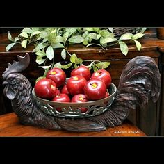 Love this rooster! Have it on my Kitchen Island.