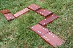 Outdoor party game patio dominoes
