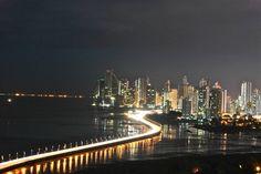 Oh Patria Tan pequena tendida sobre un Istamo, donde es mas grande el cielo y es mas brillante el sol.    Que viva Panama!