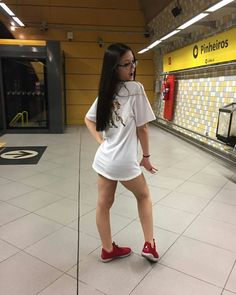 I Love Girls, Cute Girls, Girl Outfits, Cute Outfits, Fashion Outfits, Tattoo Asian, Marley Twist Hairstyles, Sexy Skirt, Tumblr Girls