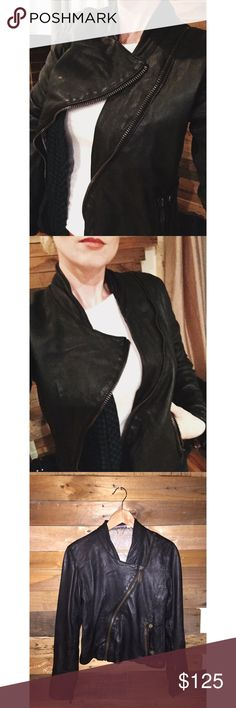 DOMA Asymmetrical Leather Moto Jacket! Beautiful 100% leather DOMA moto jacket. Love this jacket, it's just too big on me now. I contemplated keeping. Honestly, it's a staple in a wardrobe. Such a unique piece. Definitely a jacket you'll wear for a long time. It's also great to layer your outfit when you wear it. Throwing on a scarf or long necklace with it looks awesome! Women's size small, runs a bit big so a small medium could fit too! Super soft leather. In great condition! Offers…