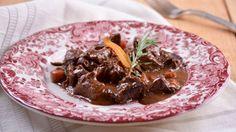 Ragout de ternera con salsa de chocolate - Elena Aymerich - Receta - Canal Cocina