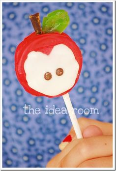 Back to School-Apple (Oreo) Pops...going to be making this for dessert the night before school starts!
