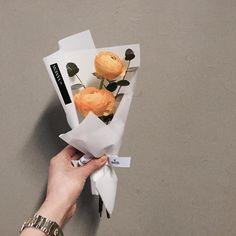 주문 레슨문의 Katalk ID vanessflower52 #vanessflower #vaness #flower #florist #flowershop #handtied #flowergram #flowerlesson #flowerclass #바네스 #플라워 #바네스플라워 #플라워카페 #플로리스트 #꽃다발 # #부케 #원데이클래스 #플로리스트학원 #화훼장식기능사 #플라워레슨 #플라워아카데미 #꽃스타그램 . . . #미니다발 #러넌큘러스 . . 귀요운 노랭이 러넌