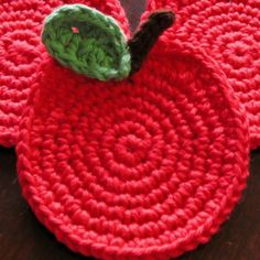 A crocheted apple pot holder would be a great companion gift to go with the notebook paper pot holder!!!