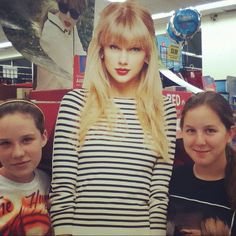 Me Jilly and Taylor!!!