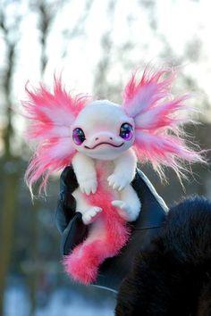 Axolotl - Creatures in the garden of my imagination - Stofftiere Cute Fantasy Creatures, Cute Creatures, Mythical Creatures, Axolotl, Mystical Animals, Cute Stuffed Animals, Cute Little Animals, Cute Toys, Felt Animals