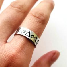 Jewelry Rings, Silver Jewelry, Silver Rings, Fashion Rings, Boho Fashion, Ring Crafts, Black Enamel, Statement Rings, Westerns