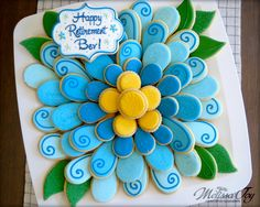 Flower Cookie platter - Retirement Party by Melissa Joy Royal Icing Cookies, Fancy Cookies, Iced Cookies, Cute Cookies, Cookie Designs, Cookie Ideas, Cooking Cookies, Easter Cookies, Cookie Tray