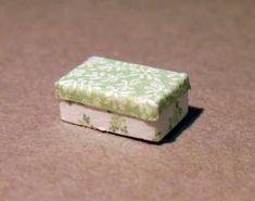 DIY project: Anna-Carin's 1:48 scale shoebox