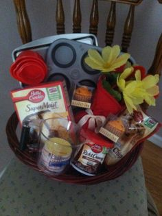 Cute gift idea!!! Bridal shower gift!!!! Cupcake and cookie basket!!!