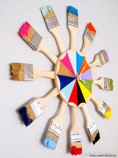 Креативные часы из кисточек и разноцветной краски (2) (524x700, 227Kb)