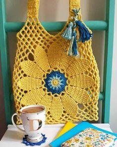 Tuto crochet- easy hook woven bag and 🛍️ Purses and Bags Crochet Market Bag, Crochet Tote, Crochet Handbags, Crochet Purses, Boho Crochet, Flower Crochet, Crochet Hooks, Knit Crochet, Knitting Accessories