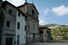 Vallecrosia (IM) centro storico di Vallecrosia Alta - Chiesa...