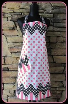 Kitchen or custom aprons, an ideal practice for those who are just starting to sew. You can also create amazing looking designs using the power of fabric patterns. Retro Apron, Aprons Vintage, Sewing Aprons, Sewing Clothes, Dress Patterns, Apron Patterns, Fabric Patterns, Towel Apron, Custom Aprons