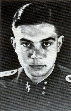 """Joop """"Johan/Hans"""" Wijnand Havik (5 Mei 1923 - 21 September 1997) Ritterkreuz (9 Mei 1945) : SS-Untersturmführer dan Zugführer 1./SS-PolPzAbt 4 Pangkat terakhir: SS-Untersturmführer"""