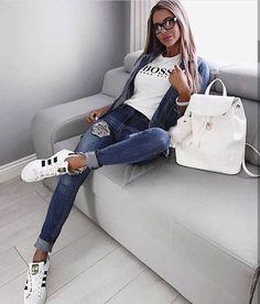 Herbst-Winter-Modetrends – Bijoux tendance 2019 – Modeideen, Mode und Outfit ideen – Dorothy Swert's Stil – Trend Look Fashion, Womens Fashion, Fashion Trends, Fashion Styles, Daily Fashion, 80s Fashion, Denim Fashion, Street Fashion, Vintage Fashion
