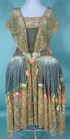 c. 1924 SADIE NESMER ORIGINAL MODEL Robe de Style Silk Velvet, Lace and Appliqued and Beaded Silk Flowers