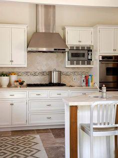 Küche Landhausstil Design weiße Farbe Teppich
