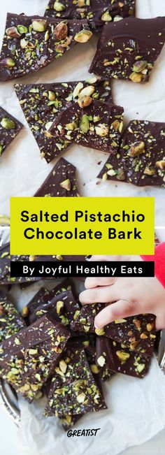 Salted Pistachio Chocolate Bark #edible #gifts https://greatist.com/eat/diy-holiday-gifts-to-give-when-you-are-broke
