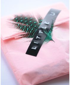 Cute Packaging #pink #gift #wrapping #little #u #feather