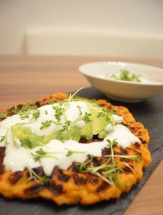 Süßkartoffel Waffel mit Avocado und Sauerrahm Tacos, Mexican, Eggs, Breakfast, Ethnic Recipes, Food, Sweet Potato Recipes, Gluten Free Recipes, Chef Recipes