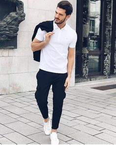 Sun is out - I'm out ☀️😎 white polo + white sneaker is always a good idea, no? w/ my new Paris Polo from Summer Smart Casual, Smart Casual Men, Geek Fashion, Urban Fashion, Daily Fashion, Fashion Trends, Polo Shirt Outfits, Formal Shirts For Men, Outfits Hombre