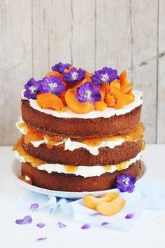 Rezept für ein Rührkuchen- Törtchen mit Aprikose und Lavendelzucker  - Foodstyling  Recipe apricot lavender cake