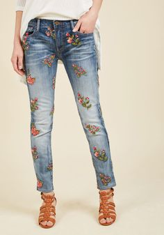e8d6168bcb73 Stitchin  Sensation Skinny Jeans in 25