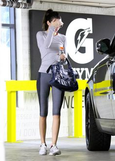Pinterest @esib123  fitness + fitspo +workout  #workoutclothes  Kendall Jenner gym outfit