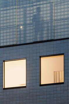 A new textured take on the traditional ceramic tile façade